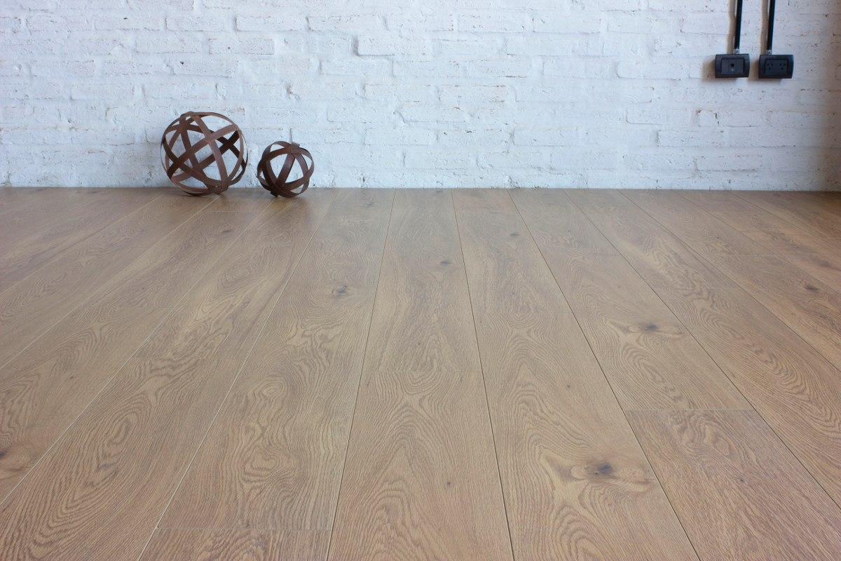 piso-flotante-roble-europeo-12mm-1200-x-195-ac5-D NQ NP 205225-MLA25397848599 022017-F